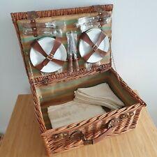 4 Person Luxury Wicker Basket Outdoor Summer Picnic Hamper Set Cutlery Cloths