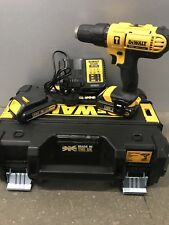 DEWALT DCD776S2T-GB 18 V 2 x 1.5AH LI-ION Sans Fil Combi Perceuse Chargeur Carry Case