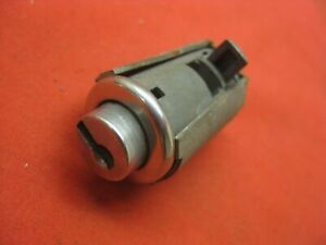 1961-1962 Chevy Impala Convertible Belair Biscayne 2 & 4 Dr Glove Box Lock 5302