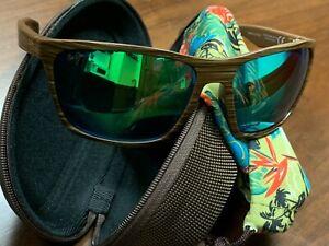Maui Jim Makoa Men's Sunglasses - Matte Brown Wood Grain Frames with Green Lens
