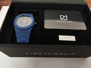 D1 Milano Blue polycarbonate 40.5mm watch with  link remover