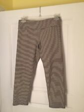 American Eagle Outfitters Crop Black/white Striped Yoga Pants Size S/P