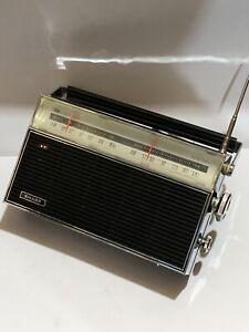VINTAGE SHARP FX-176  RADIO  MW-(AM)  -FM 1960s-1970s