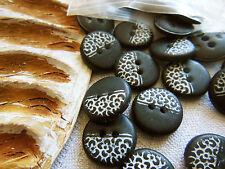 lot 20 boutons noir mat fleur blanche petit diamètre 1,4 cm ref 2073