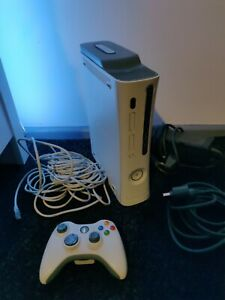 Xbox 360 Pro Microsoft White 60GB Gaming Console, Controller, Cables, Internet