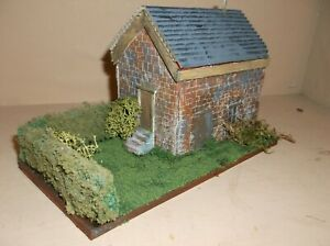 OO Gauge Bespoke Large Workers Building Diorama with Hedges New