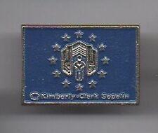 pin's Kimberly Clark /  Sopalin (société de produits d'hygiène personnelle)