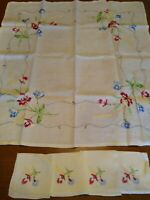 Lovely Vintage Ivory Linen Hand Embroidered Floral Design 5 Pc Tablecloth Set