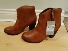 TU Ladies Size 7 Tan Brown Faux Leather Cowboy Style Ankle Boots BNWT