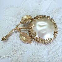 Vtg Sarah Coventry Brooch Pin Gold Tone Flower Large Faux Baroque Pearl Round