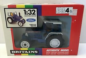 BRITAINS 9527 FORD 5610 TRACTOR  1:32  BOXED