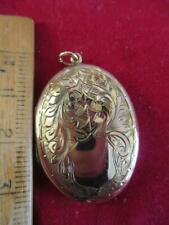 Vintage 9ct Gold Engraved Large Locket 23mm x 32mm 5gr