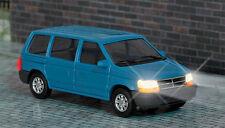 Busch 5657 Chrysler Voyager con fari illuminati