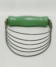 VINTAGE HAND HELD PASTRY BLENDER WITH GREEN HANDLE