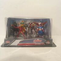 Marvel Avengers Deluxe Figurine Captain America Playset Disney Store