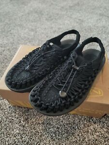Womens Keen UNEEK black sandals size 7.5