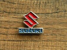 """SUZUKI S MOTORCYCLE VEST PIN ~7/8"""" x 6/8"""" LAPEL HAT BADGE BROCHE BIKER ANSTECKER"""