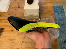 Fizik Vesta Women's Cycling Saddle Black and Yellow Brand New