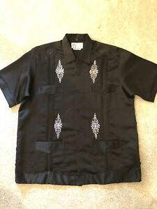 Used Mens Guayaberas Exclusivo Black With White Pattern Size 42