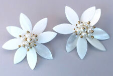 White MOP Mother-of-Pearl SHELL & Imitation PEARL Flower Stud EARRINGS