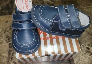 Wee Squeak Boys Navy Shoes New Size 6 Squeakers  So Cute