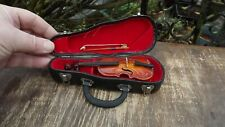 Miniature boxed wooden violin in case Amazing Detail