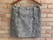 Ann Taylor Black Gray Animal Print Front Zipper Skirt - size 8  EUC FAST SHIP