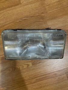 1990 1991 1992 Cadillac Fleetwood Brougham Left LH Driver Headlight Assembly 91