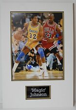 Magic Johnson Signed 14X11 Photo Montado Pantalla Los Angeles Lakers AFTAL cert. de autenticidad
