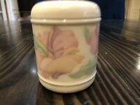 Vintage ANAIS ANAIS CACHAREL PORCELAIN JAR with LID Noel 1987 WITH CANDLE Japan