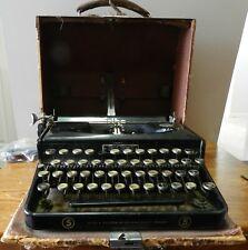 1930's Seidel & Naumann Erika # 5 portable typewriter with case needs work