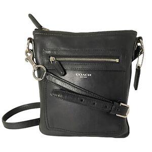 Coach New York Black Soft Leather Swingpack Crossbody Small Bag Zip-Pocket Front