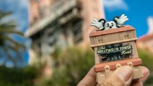 McDonald's 2020 Happy Meal Toys -Mickey and Minnie's Runaway Railway Tower