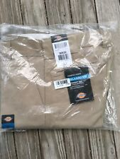 New Men's Dickies Khaki 30x32  NWT relaxed fit straight leg Cargo pant