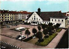CPA  Charmes (Vosges) L'Hotel de Ville et la Place Henri-Breton (200712)