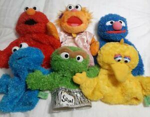 Sesame Street Grover Big Bird Elmo Oscar Grouch Cookie Monster hand puppets