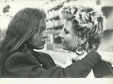 ORNELLA MUTI HANNA SCHYGULLA IL FUTURO È DONNA 1984 VINTAGE PHOTO ORIGINAL