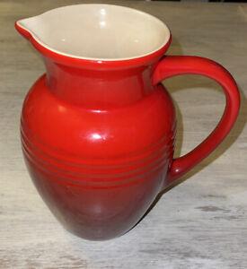 Le Creuset Strawberry Ombré Red 2 Quart Stoneware Large Pitcher Juice Jug 9 inch