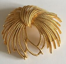 Vtg Large Monet Brooch Wheat Sheaves Pin Gold Tone Rope Signed