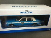 Chevrolet Caprice Classic NYPD New York Police 1985 MCG Model Car Group OVP 1:18