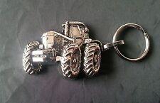 John Deere Traktor Schlüsselanhänger silbern relief Maße Fahrzeu 52x35mm