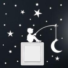 12241 Wandtattoo Leuchtaufkleber Junge Mond Sterne für Steckdose Lichtschalter