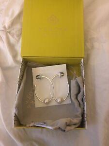 Kendra Scott Regina Bright Silver Hoop Earrings In Pearl