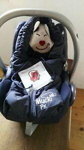 Maxi Cosi Cabriofix mit Odenwälder Muckisack Babyschale mit Wintersack blau Sitz