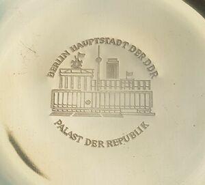 Ehrenteller Palast der Republik Berlin Hauptstadt der DDR Messing 17,5cm DDR