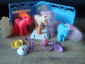 Vintage 1980s My Little Pony Grooming Parlour and Ponies