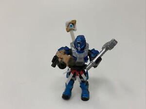 Destiny Mega Bloks Set #DPJ11 Blue Titan Figure with Hammer of Sol Machine Gun