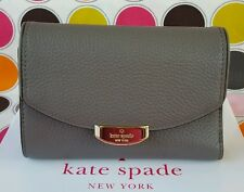 KATE SPADE CALLIE MULBERRY STREET LEATHER MEDIUM  WALLET IN HARE GREY.