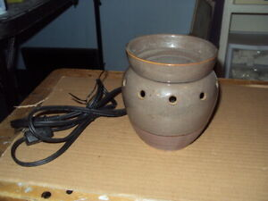 Authentic Scentsy Warmer * SOAPSTONE * Mid-Size * Retired *