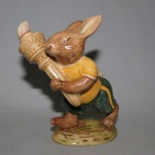 ROYAL DOULTON AUSTRALIAN OLYMPIC GREEN GOLD BUNNYKINS DB28B